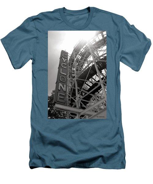 Cyclone Rollercoaster - Coney Island Men's T-Shirt (Slim Fit) by Jim Zahniser