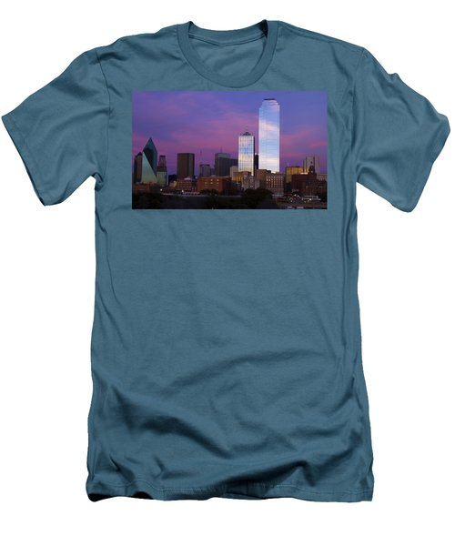 Dallas Sunset Men's T-Shirt (Slim Fit)