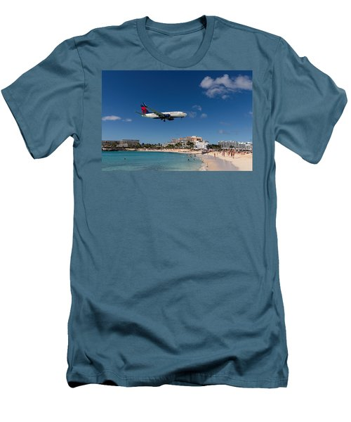 Delta 737 St. Maarten Landing Men's T-Shirt (Slim Fit) by David Gleeson