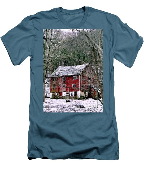 Men's T-Shirt (Slim Fit) featuring the photograph Pennsylvania Dusting by Michael Hoard