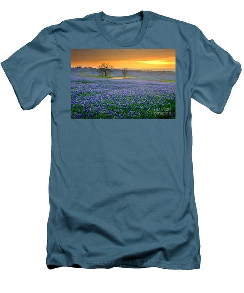 Field Of Dreams Texas Sunset - Texas Bluebonnet Wildflowers Landscape Flowers  Men's T-Shirt (Athletic Fit)