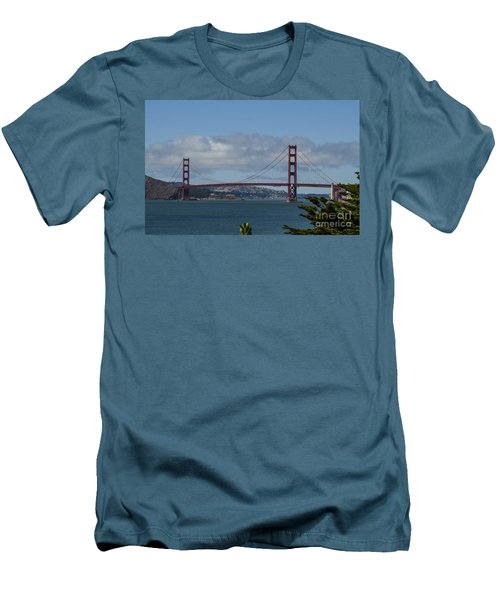 Golden Gate Bridge 2 Men's T-Shirt (Athletic Fit)