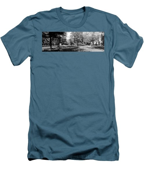 Group Of People At A University Campus Men's T-Shirt (Athletic Fit)