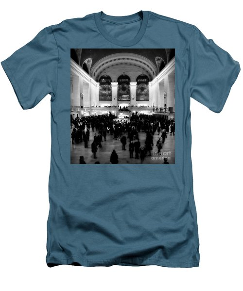 In Awe At Grand Central Men's T-Shirt (Athletic Fit)