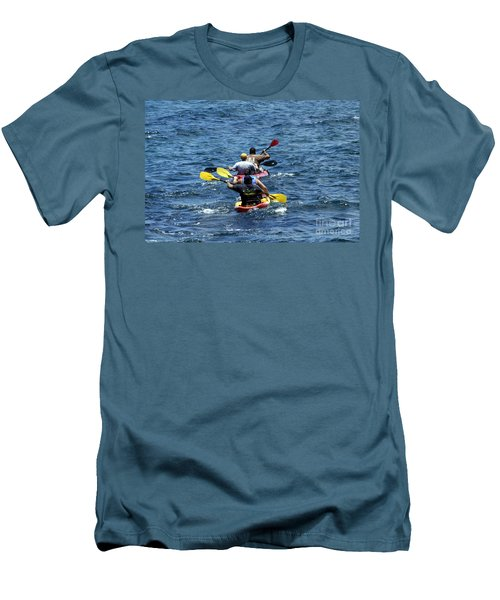 Kayaking In Hawaii  Men's T-Shirt (Athletic Fit)