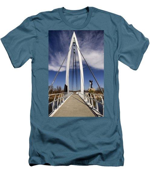 Keeper Of The Plains Bridge View Men's T-Shirt (Athletic Fit)