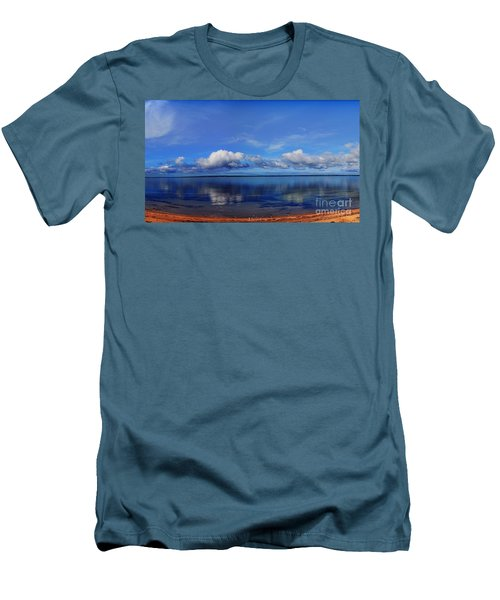 Kingscote View Men's T-Shirt (Athletic Fit)