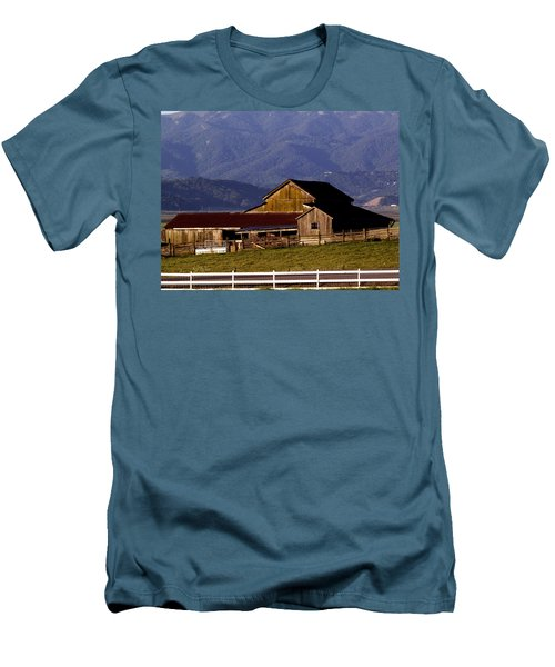 Lakeville Barn Men's T-Shirt (Athletic Fit)