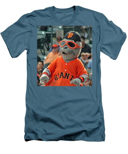 Lou Seal San Francisco Giants Mascot Men's T-Shirt (Athletic Fit)