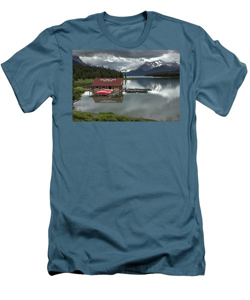 Maligne Lake Jasper Park Men's T-Shirt (Athletic Fit)