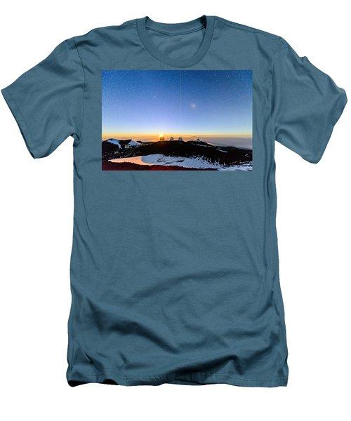 Mauna Kea Moonset 1 Men's T-Shirt (Athletic Fit)