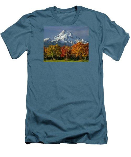 1m5117-mt. Hood In Autumn Men's T-Shirt (Athletic Fit)