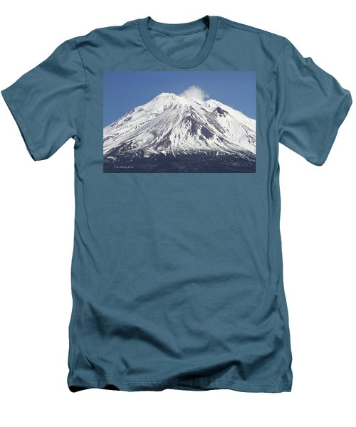 Mt Shasta California Men's T-Shirt (Athletic Fit)