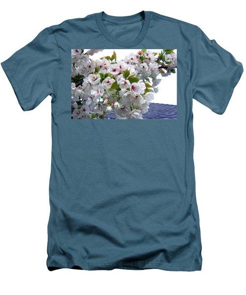 Oregon Cherry Blossoms Men's T-Shirt (Slim Fit)