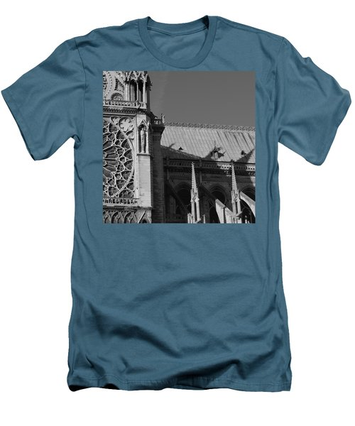 Paris Ornate Building Men's T-Shirt (Athletic Fit)