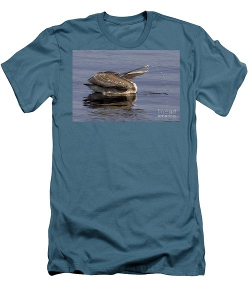 Pelican Fountain  Men's T-Shirt (Athletic Fit)