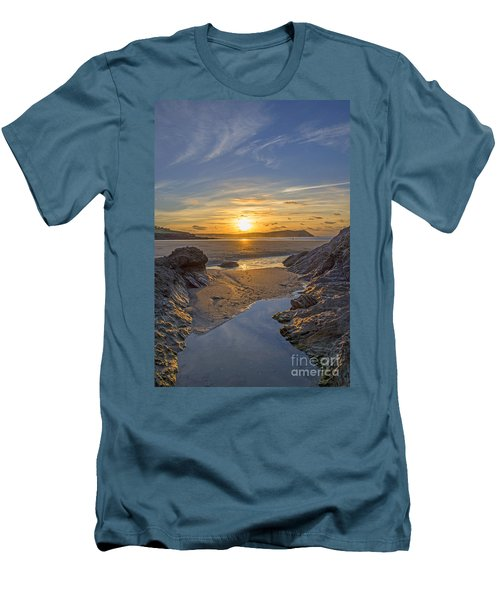 Polzeath Sunset Men's T-Shirt (Athletic Fit)