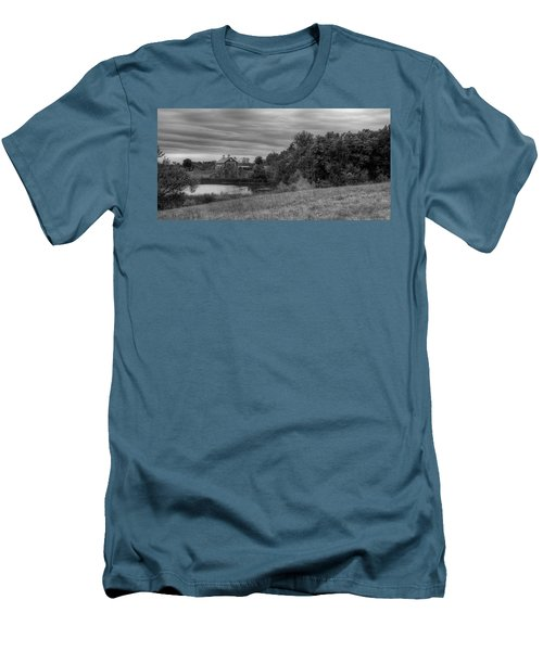 Salomon Farm In The Fall Men's T-Shirt (Athletic Fit)