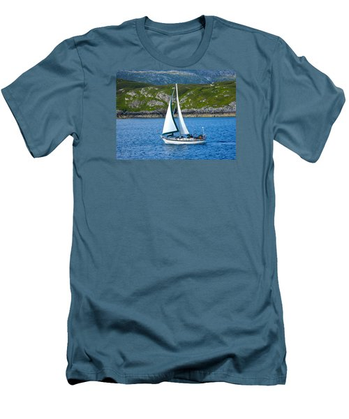 Scottish Sails Men's T-Shirt (Athletic Fit)