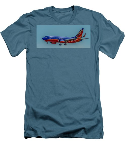 Southwest 737 Landing Men's T-Shirt (Athletic Fit)
