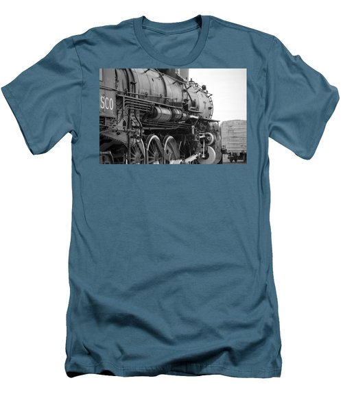 Steam Locomotive 1519 - Bw 02 Men's T-Shirt (Athletic Fit)