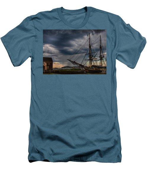 Storm Passing Salem Men's T-Shirt (Athletic Fit)