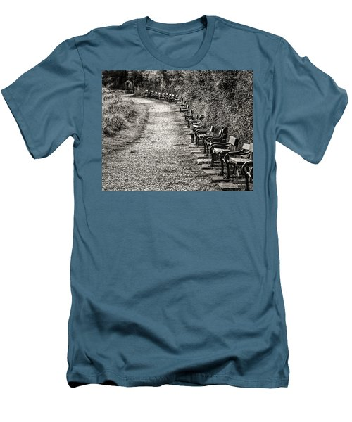 The English Reader Men's T-Shirt (Slim Fit) by William Beuther
