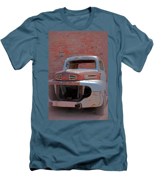 Men's T-Shirt (Slim Fit) featuring the photograph The Pick Up by Lynn Sprowl