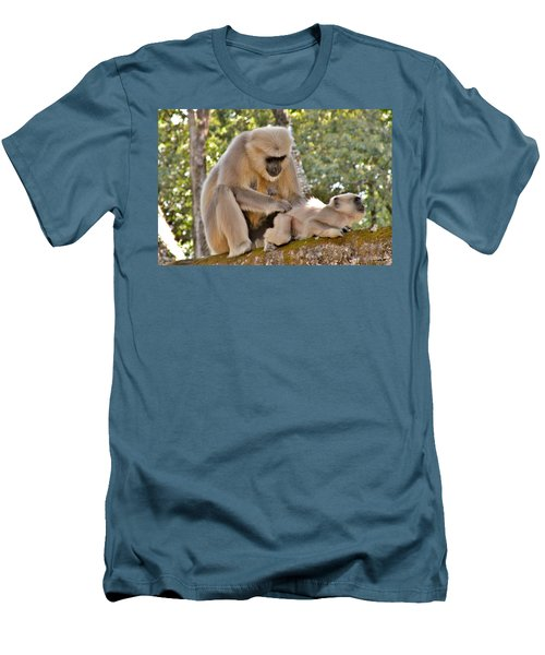 There Is Nothing Like A  Backscratch - Monkeys Rishikesh India Men's T-Shirt (Slim Fit)