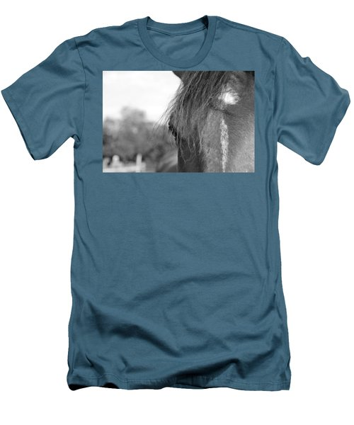 Thoroughbred B/w Men's T-Shirt (Athletic Fit)