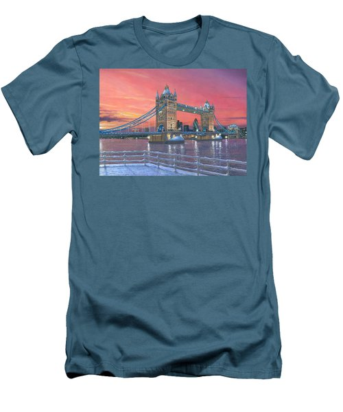 Tower Bridge After The Snow Men's T-Shirt (Slim Fit) by Richard Harpum