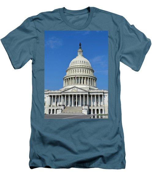 Us Capitol Building Men's T-Shirt (Athletic Fit)