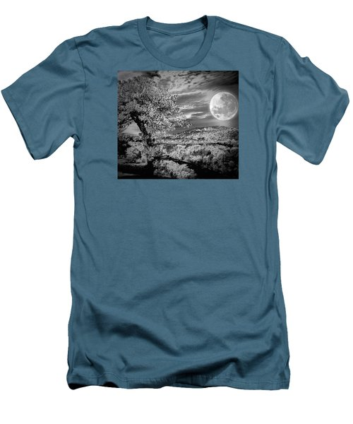 Men's T-Shirt (Slim Fit) featuring the photograph When The Moon Comes Over Da Mountain by Robert McCubbin