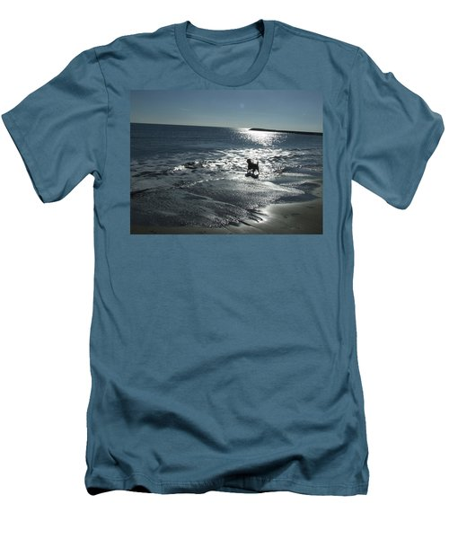 winter in Les Ste Marie de la mer Men's T-Shirt (Athletic Fit)