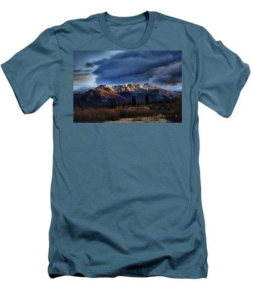 Alaskan Morning Men's T-Shirt (Athletic Fit)
