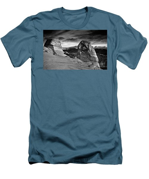 Delicate Arch Bw Men's T-Shirt (Slim Fit) by Larry Carr
