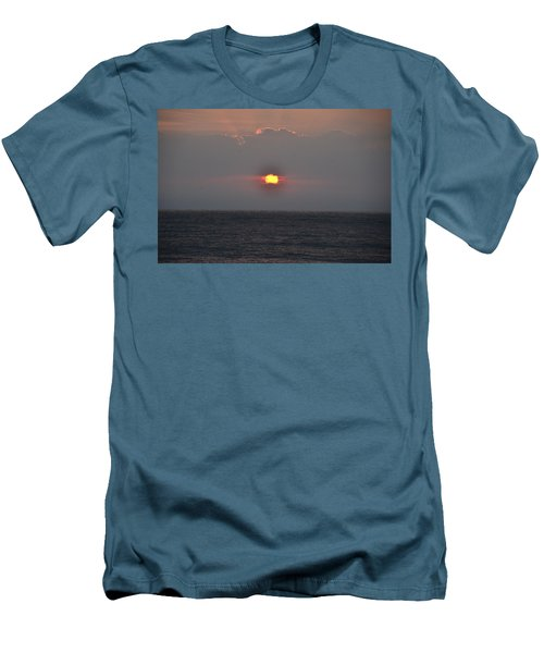 Sunrise In Melbourne Fla Men's T-Shirt (Athletic Fit)