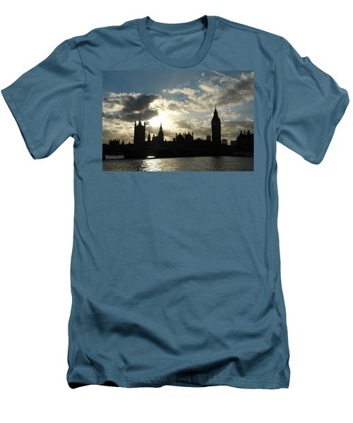 The Outline Of Big Ben And Westminster And Other Buildings At Sunset Men's T-Shirt (Athletic Fit)