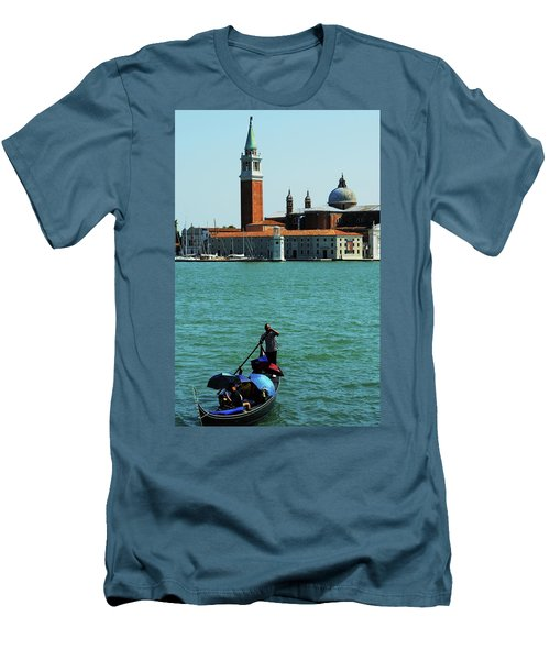 Venice Gandola Men's T-Shirt (Athletic Fit)