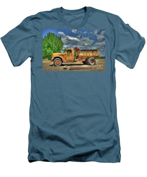 Canyon Concrete 2 Men's T-Shirt (Athletic Fit)
