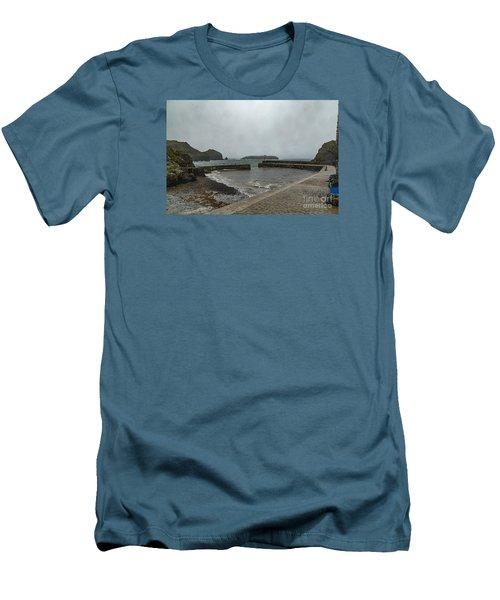 Mullion Cove Men's T-Shirt (Slim Fit)
