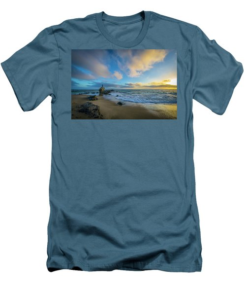 The Woman And Sea Men's T-Shirt (Athletic Fit)