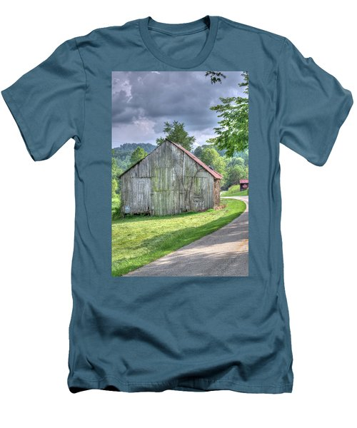 Wells Barn 13 Men's T-Shirt (Athletic Fit)