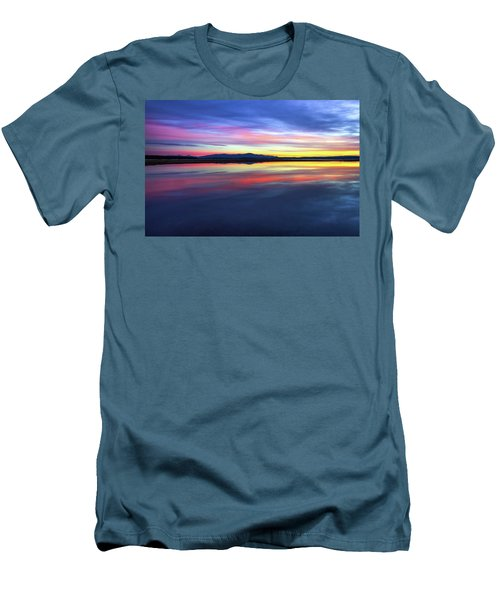 Lake Winnipesaukee - Layers Men's T-Shirt (Athletic Fit)