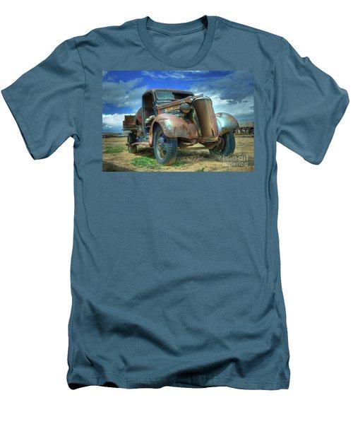 1937 Chevrolet Men's T-Shirt (Athletic Fit)