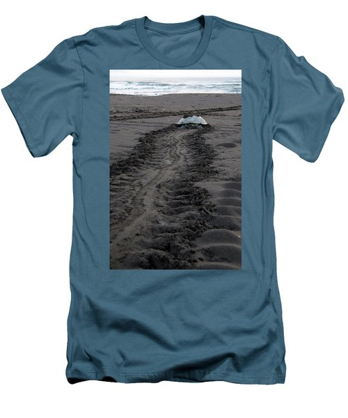 Green Sea Turtle Returning To Sea Men's T-Shirt (Slim Fit) by Breck Bartholomew
