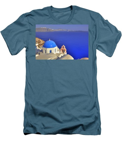 Oia - Santorini Men's T-Shirt (Athletic Fit)