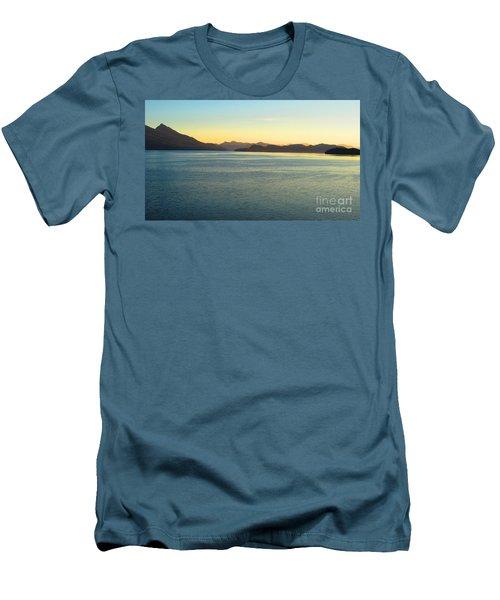 Alaska3 Men's T-Shirt (Athletic Fit)