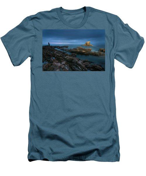 Arch Rock Men's T-Shirt (Athletic Fit)