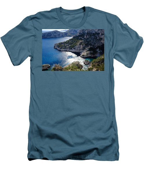 Azure Calanques Men's T-Shirt (Athletic Fit)